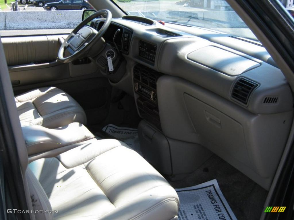 1994 medium water blue metallic chrysler town country 31585516 photo 4 car. Black Bedroom Furniture Sets. Home Design Ideas
