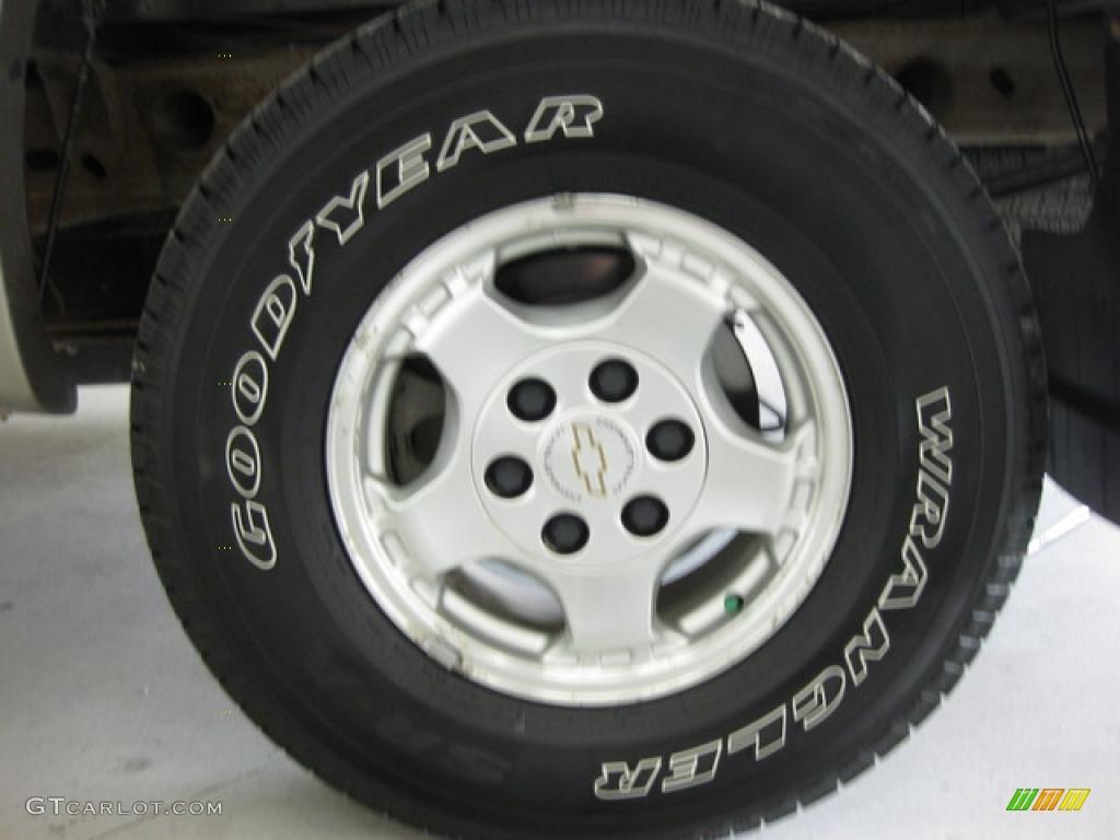 2002 Silverado 1500 LS Extended Cab 4x4 - Onyx Black / Graphite Gray photo #7