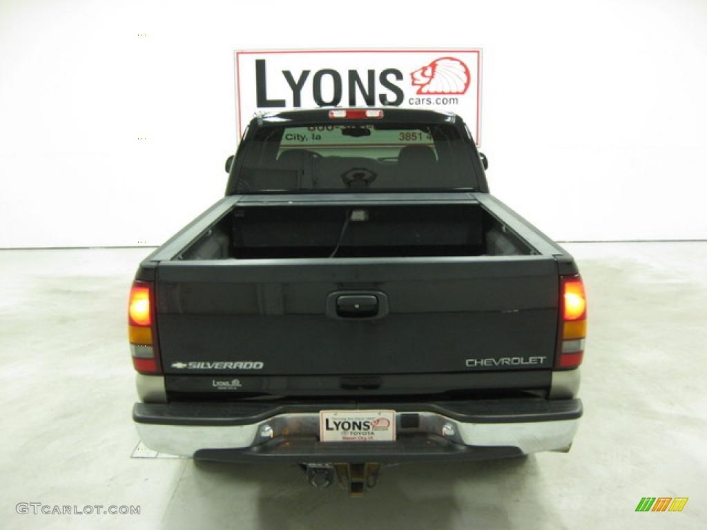 2002 Silverado 1500 LS Extended Cab 4x4 - Onyx Black / Graphite Gray photo #18