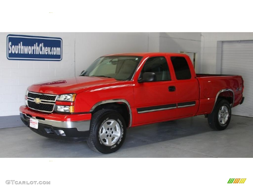 2006 Silverado 1500 Z71 Extended Cab 4x4 - Victory Red / Dark Charcoal photo #1