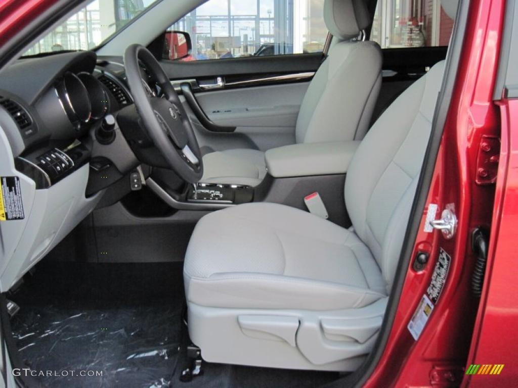 2011 Sorento LX V6 - Spicy Red / Gray photo #7