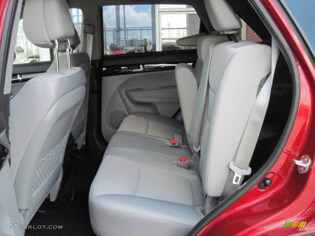 2011 Sorento LX V6 - Spicy Red / Gray photo #8