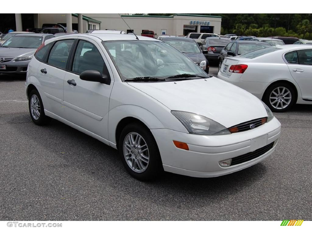 2003 cloud 9 white ford focus zx5 hatchback 32178089. Black Bedroom Furniture Sets. Home Design Ideas