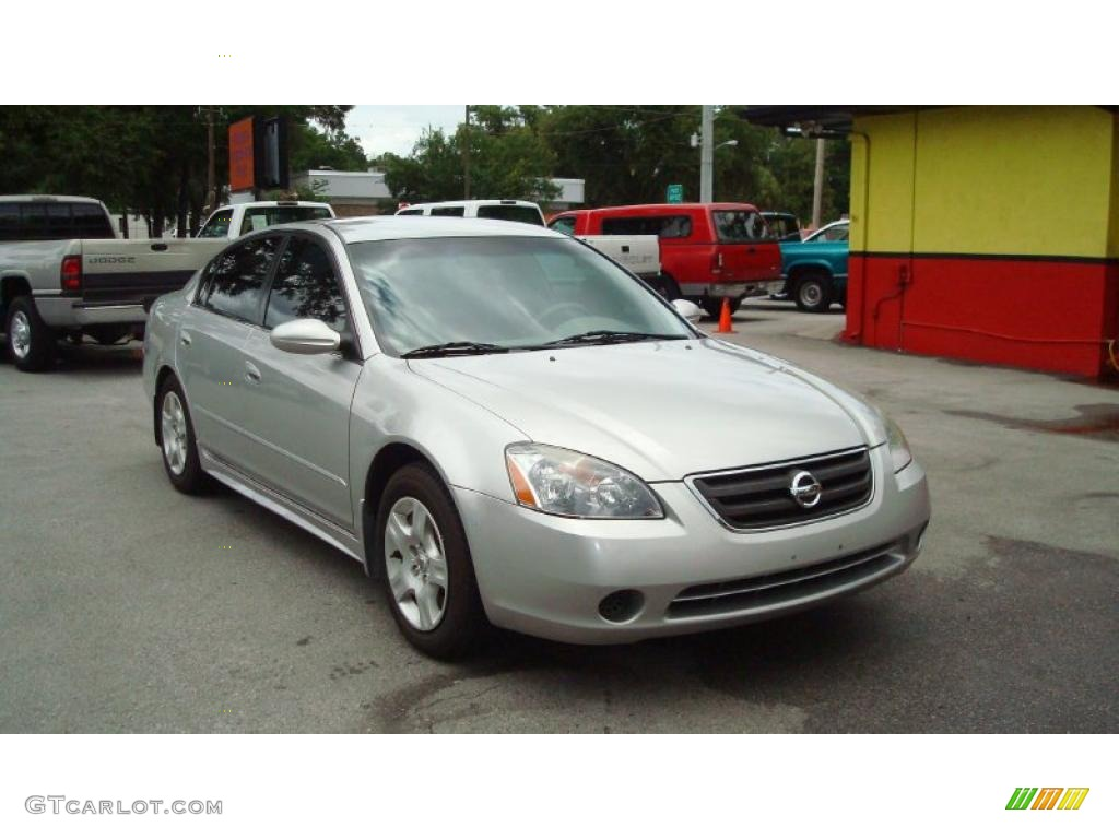 Sheer Silver Metallic Nissan Altima