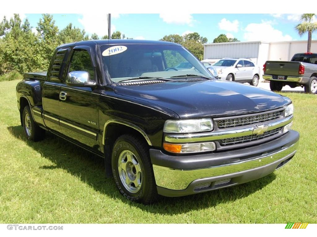2002 Silverado 1500 LS Extended Cab - Onyx Black / Medium Gray photo #1