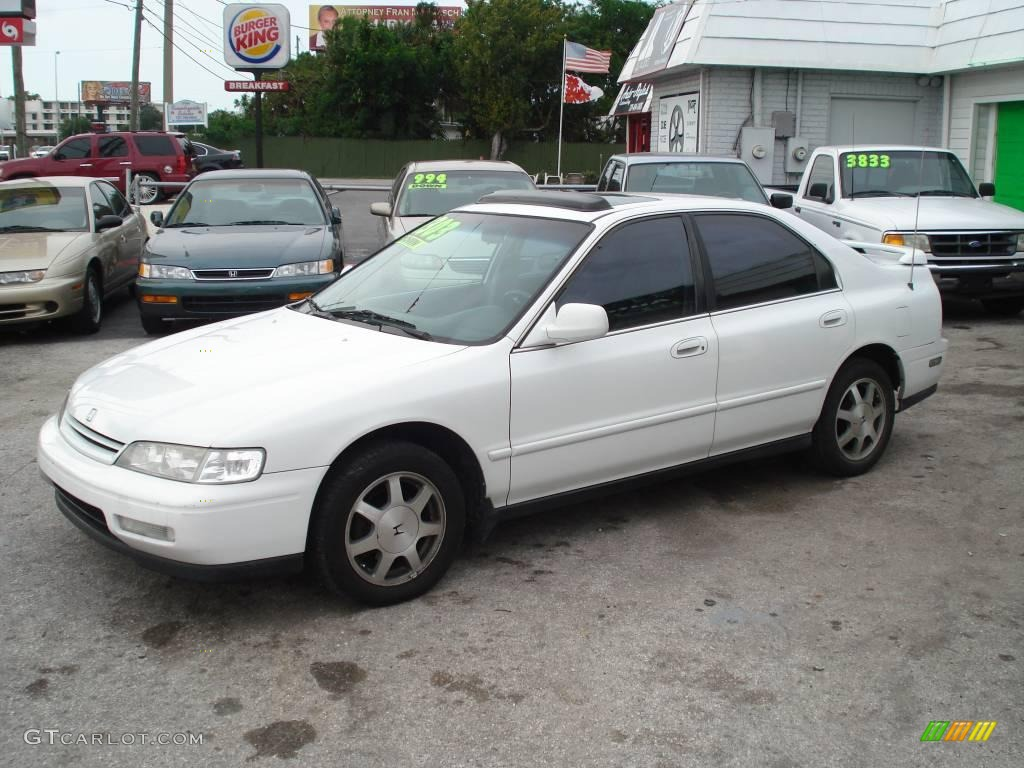1995 frost white honda accord ex sedan 32391715 gtcarlot com car color galleries gtcarlot com