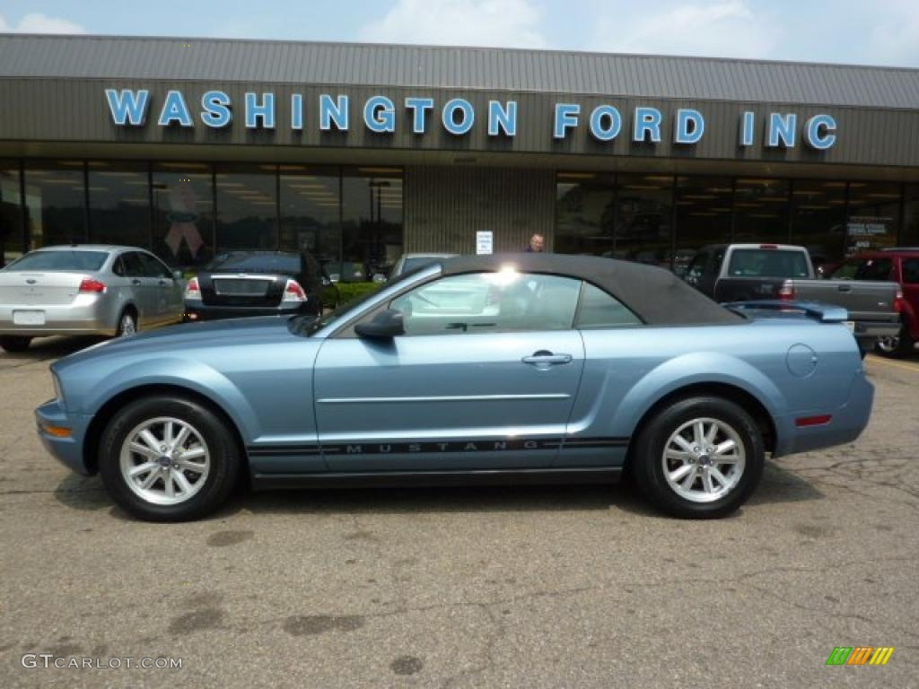 2006 Mustang V6 Premium Convertible - Windveil Blue Metallic / Light Graphite photo #1