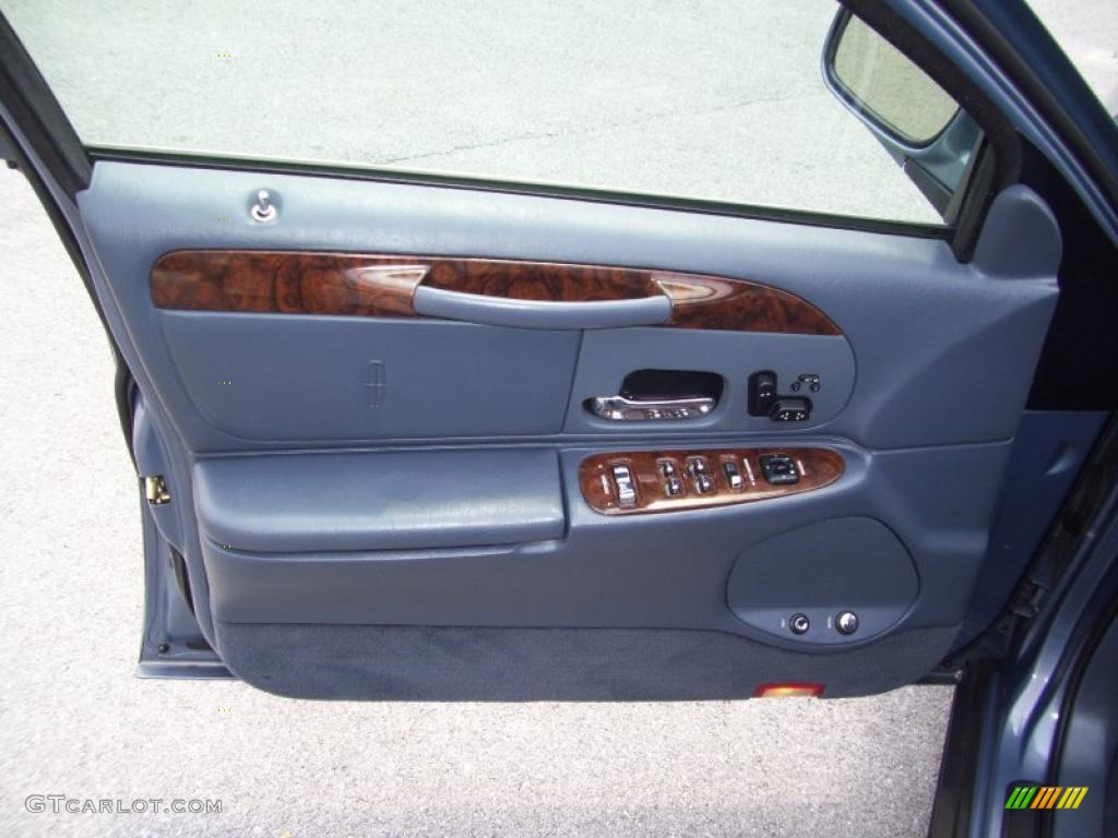 1999 graphite blue metallic lincoln town car signature 32681836 photo 5 car. Black Bedroom Furniture Sets. Home Design Ideas
