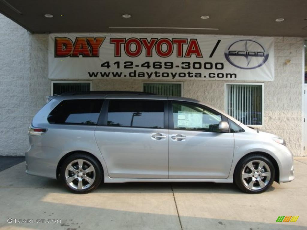 2011 Sienna SE - Silver Sky Metallic / Dark Charcoal photo #1