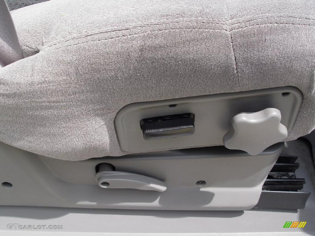 2000 Silverado 1500 LS Extended Cab 4x4 - Summit White / Medium Gray photo #26