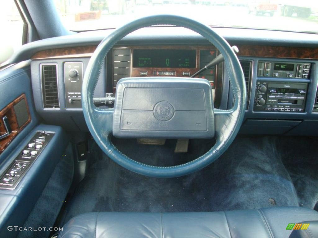 1993 White Cadillac Fleetwood #32855732 Photo #41 ...