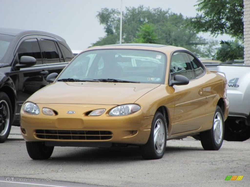 Sunray gold metallic 2001 ford escort zx2 coupe exterior photo 32867258