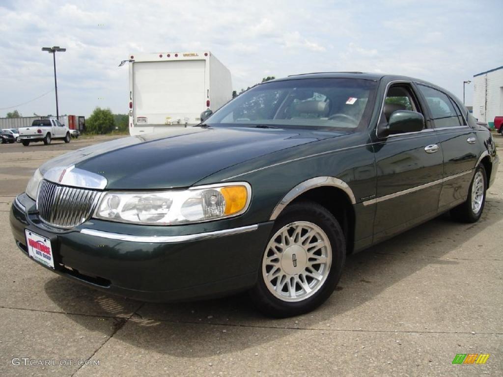 1999 dark satin green metallic lincoln town car signature 32855867 car color. Black Bedroom Furniture Sets. Home Design Ideas