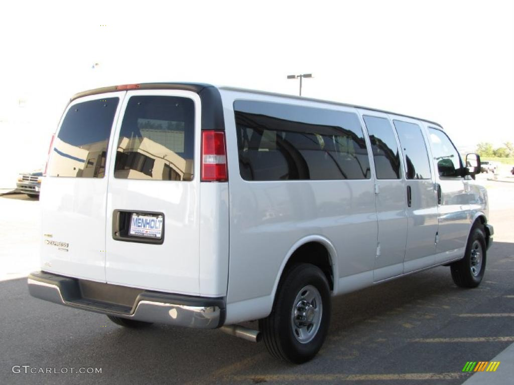 White Passenger Van 2010 Summit White Chev...