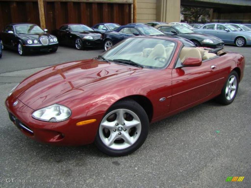 2000 jaguar xk8 information