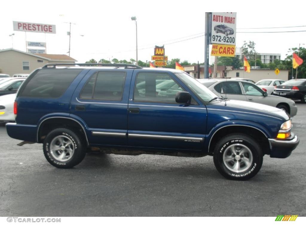 2000 Indigo Blue Metallic Chevrolet Blazer LS #32966191 Photo #2 ...