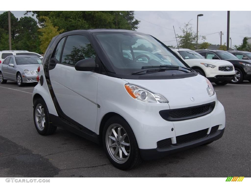 2008 crystal white smart fortwo passion coupe 32966206. Black Bedroom Furniture Sets. Home Design Ideas