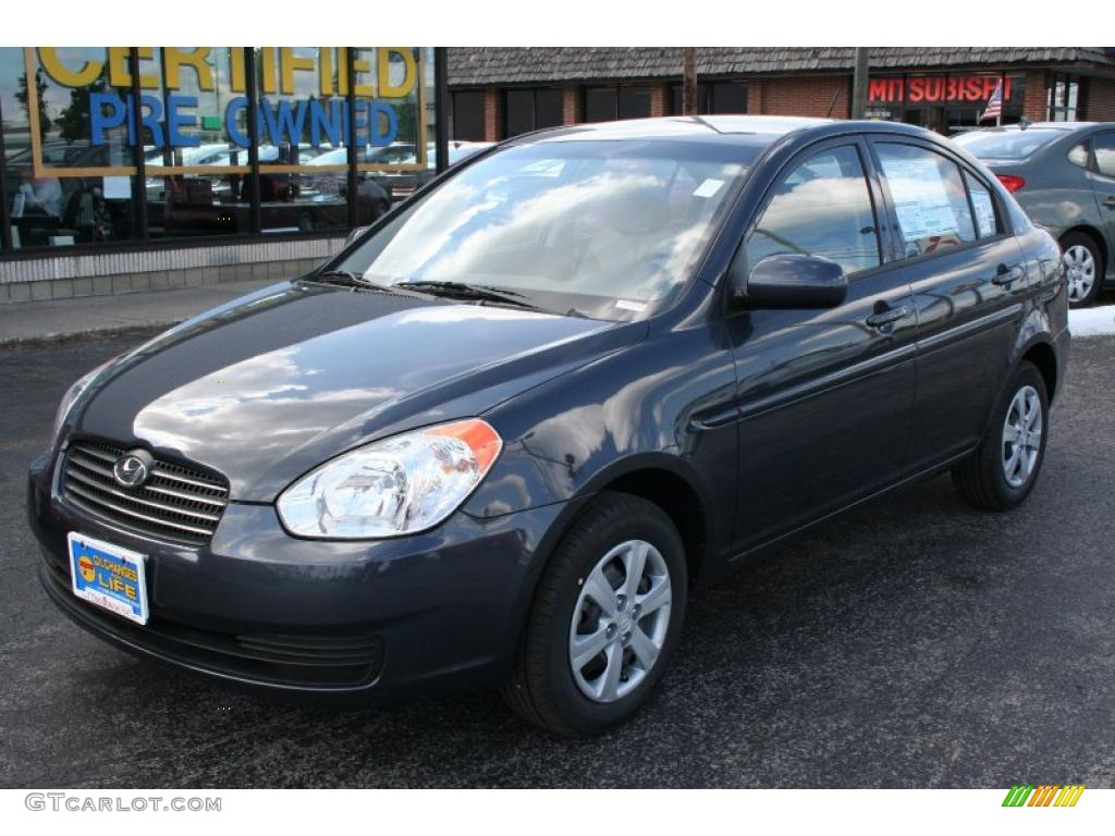 2010 Hyundai Accent Gray 200 Interior And Exterior Images