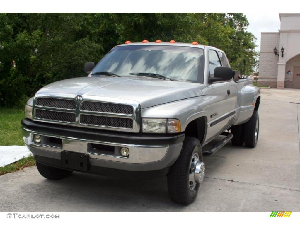 2001 Bright Silver Metallic Dodge Ram 3500 Slt Club Cab