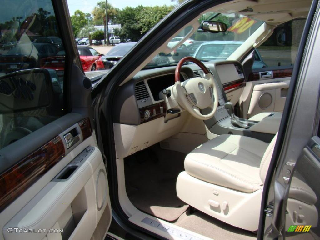 Light Parchment Interior 2004 Lincoln Navigator Ultimate Photo 33294017
