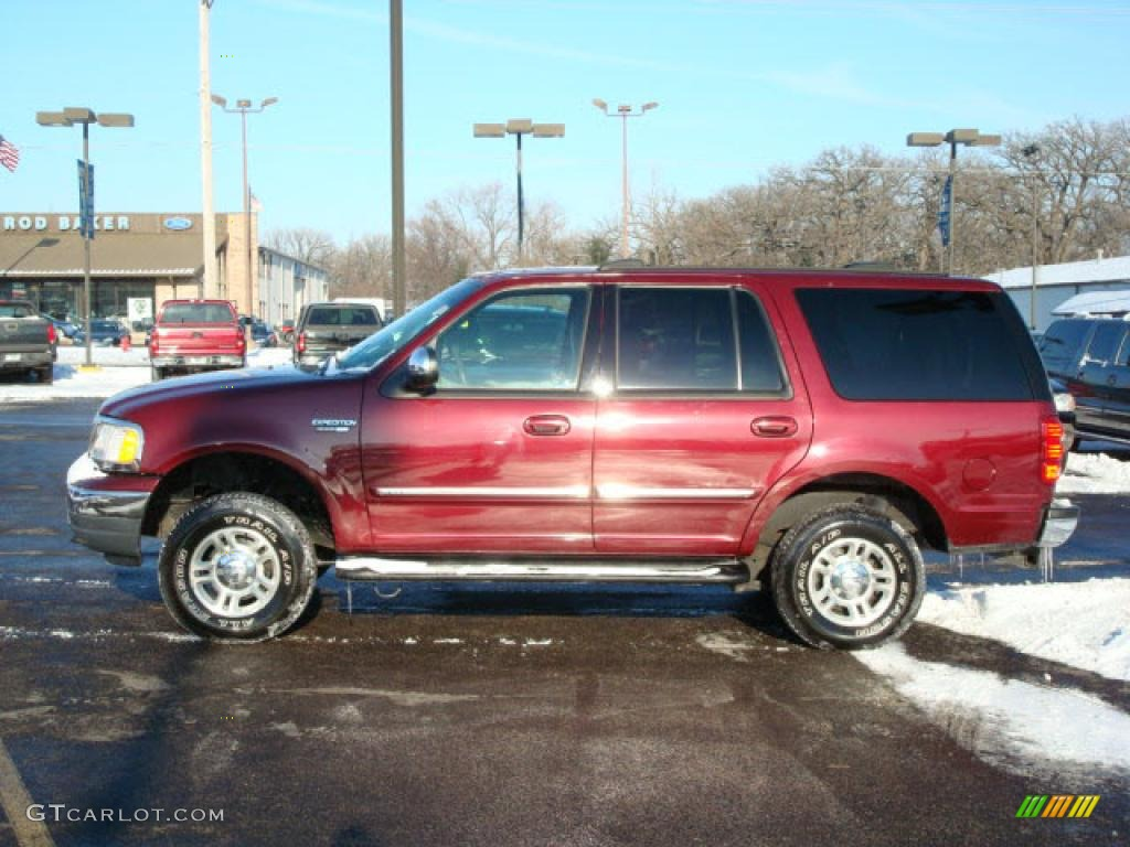 Dark Toreador Red Metallic Ford Expedition