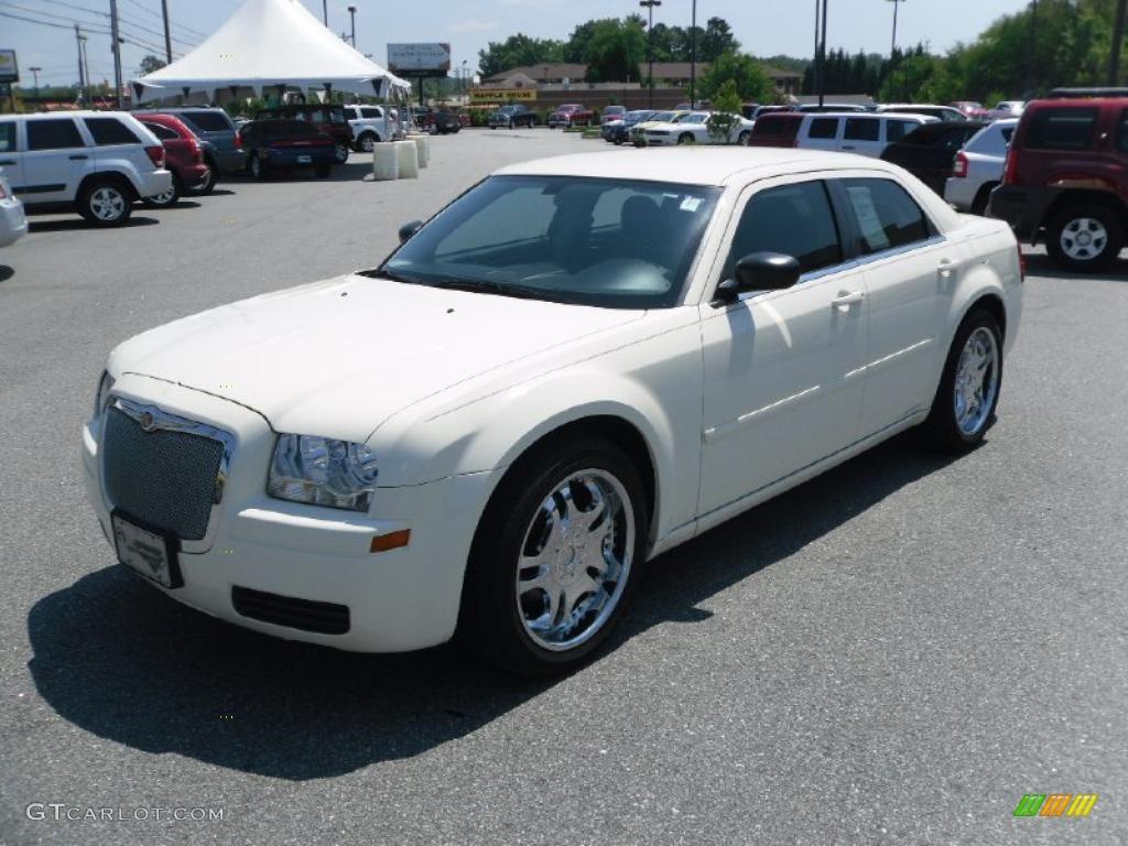 2006 Cool Vanilla Chrysler 300 33329513 Gtcarlot Com