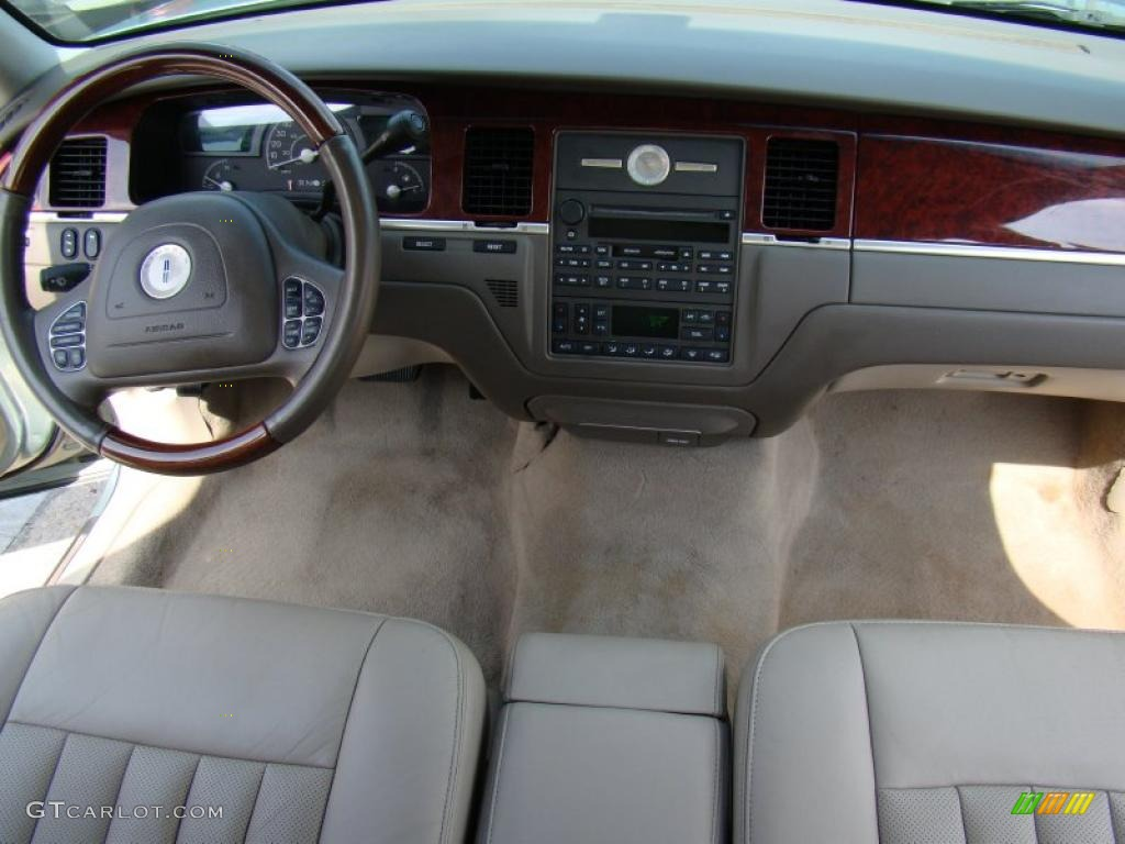 2003 light tundra metallic lincoln town car limited 33439062 photo 15 car. Black Bedroom Furniture Sets. Home Design Ideas