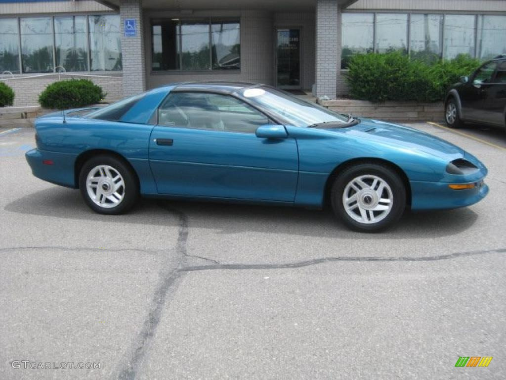 1995 bright teal metallic chevrolet camaro coupe 33439074. Black Bedroom Furniture Sets. Home Design Ideas