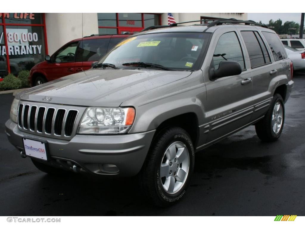 Silverstone metallic jeep grand cherokee