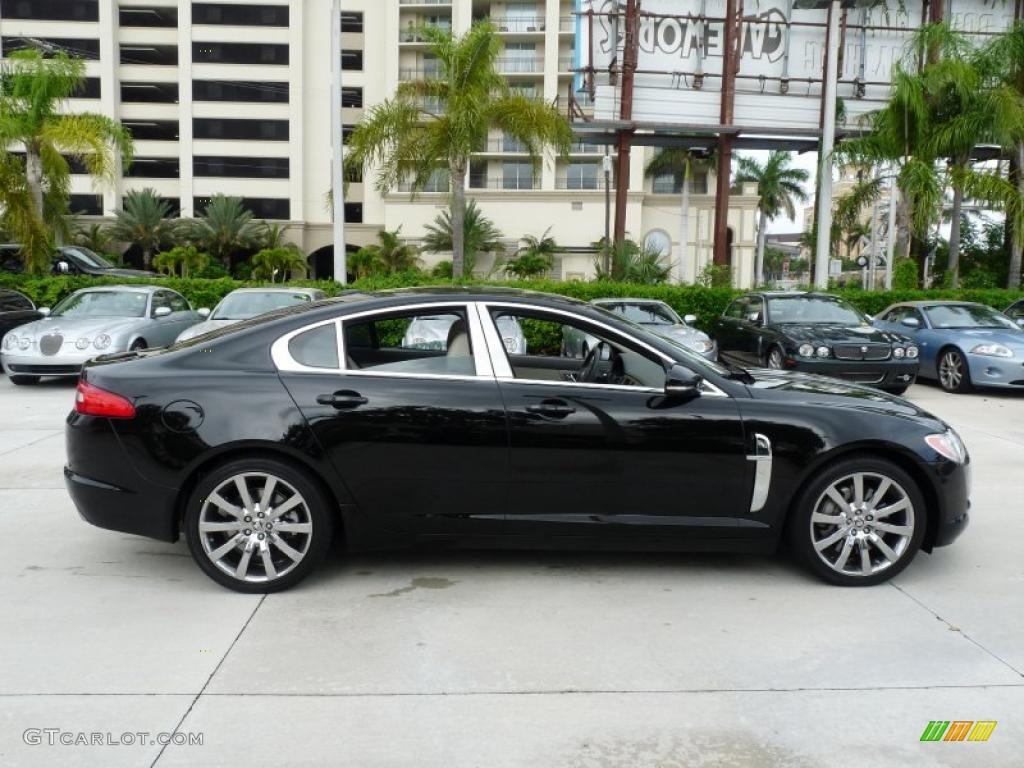 Captivating 2010 XF Premium Sport Sedan   Ultimate Black / Ivory Photo #14