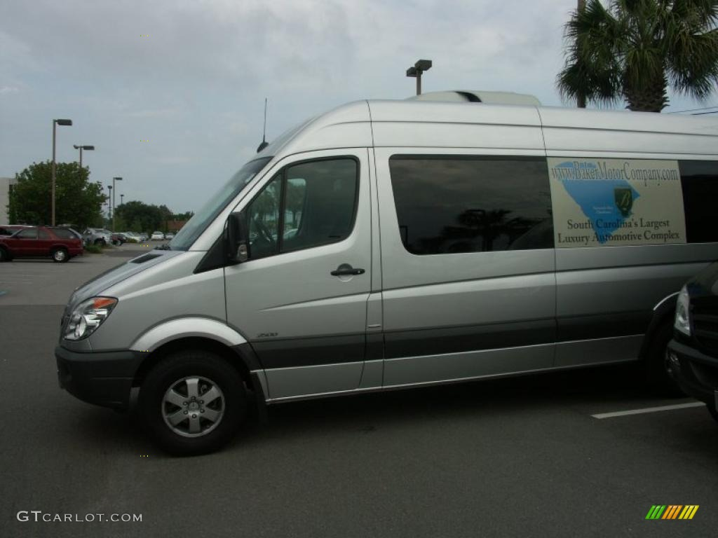 2010 brilliant silver metallic mercedes benz sprinter 2500 for 2010 mercedes benz 2500