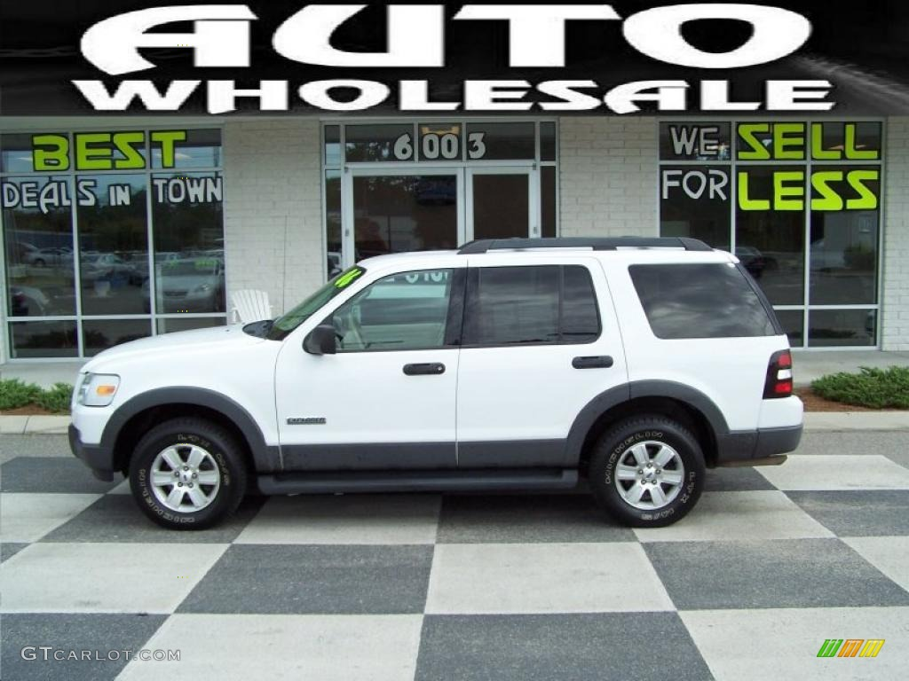 2006 Oxford White Ford Explorer XLT 4x4 33673619 Car Color