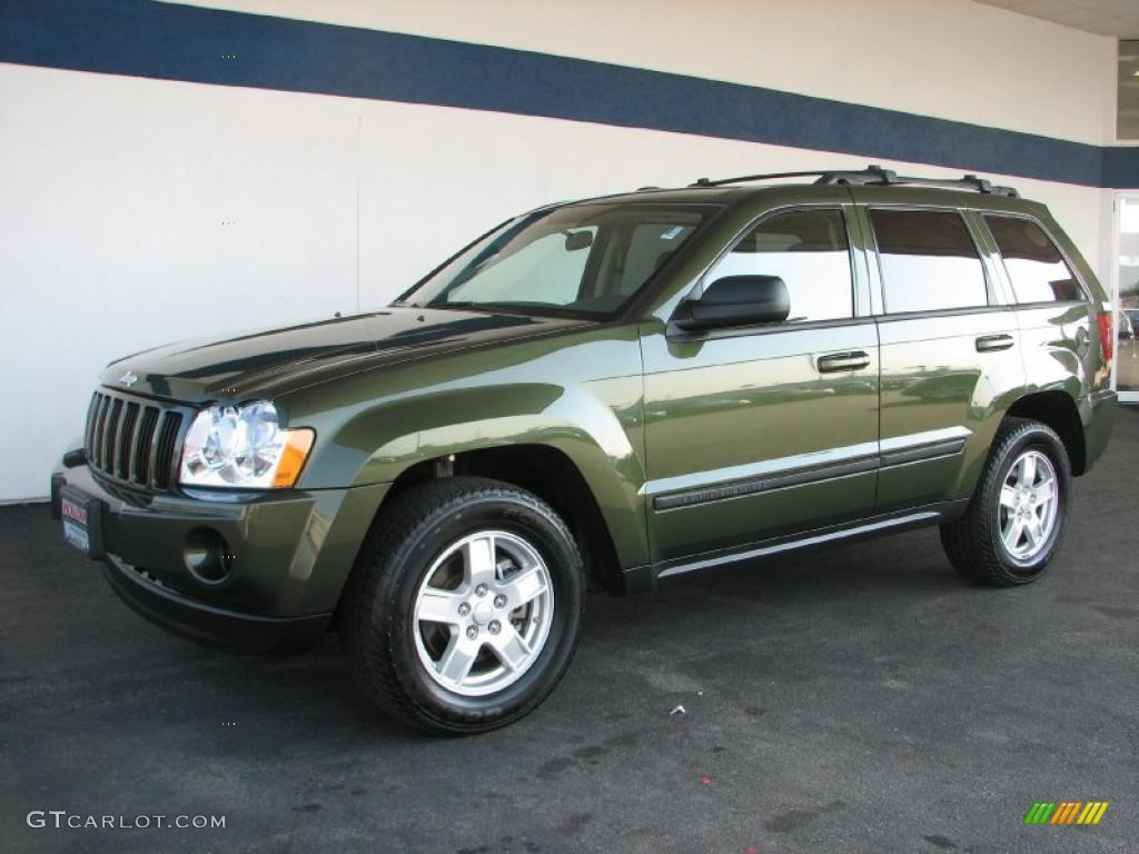 Jeep Green Metallic Jeep Grand Cherokee