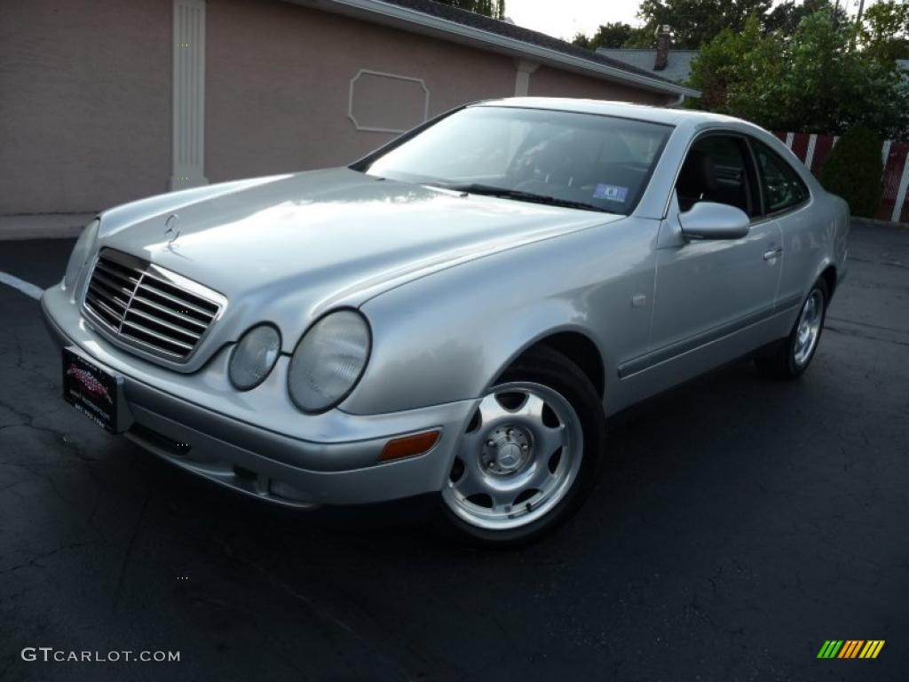 1999 brilliant silver metallic mercedes benz clk 320 coupe for Mercedes benz silver
