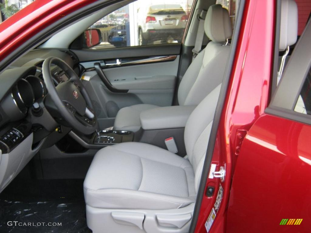 2011 Sorento LX V6 - Spicy Red / Beige photo #12