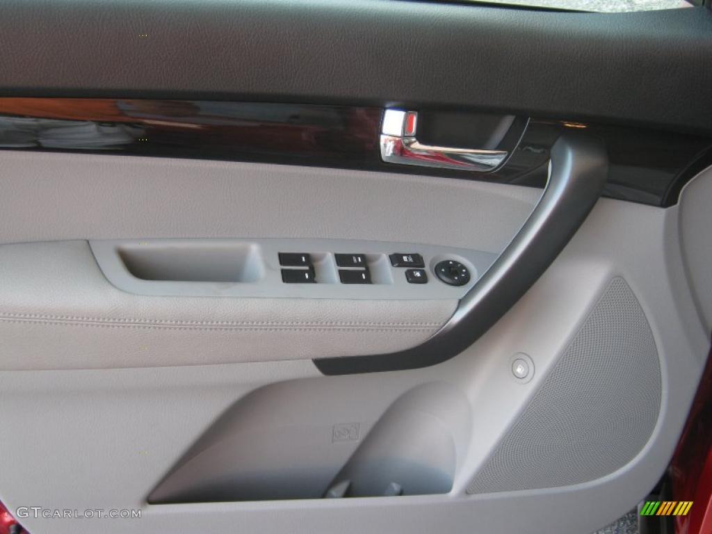 2011 Sorento LX V6 - Spicy Red / Beige photo #14