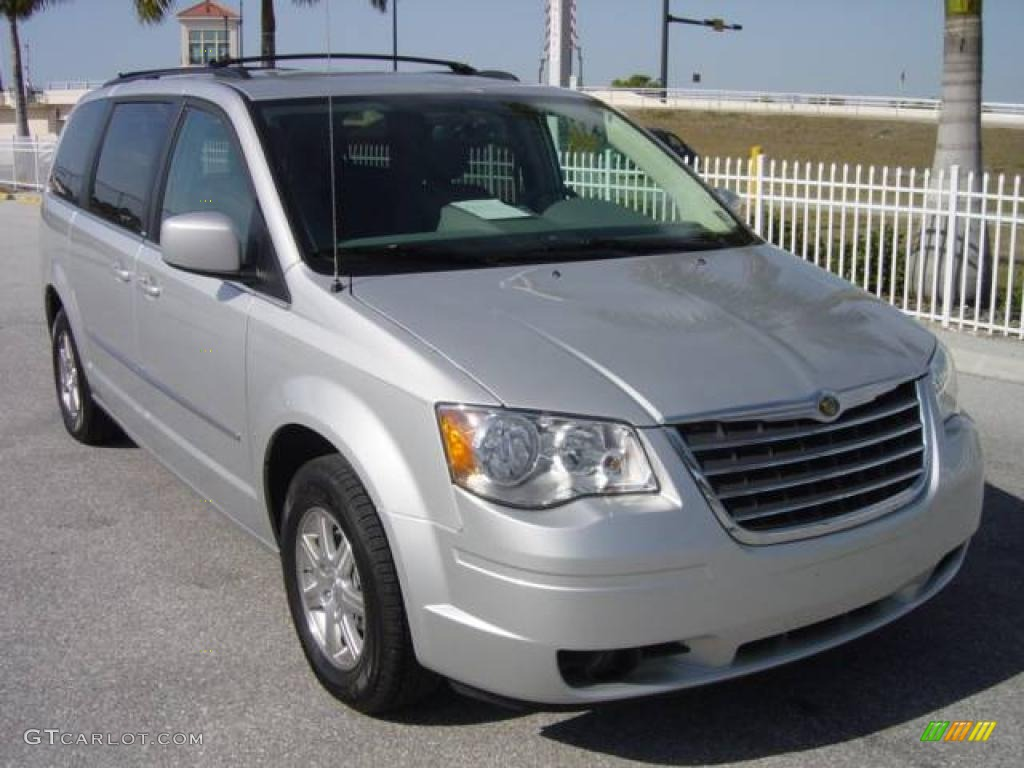 2009 bright silver metallic chrysler town country. Black Bedroom Furniture Sets. Home Design Ideas