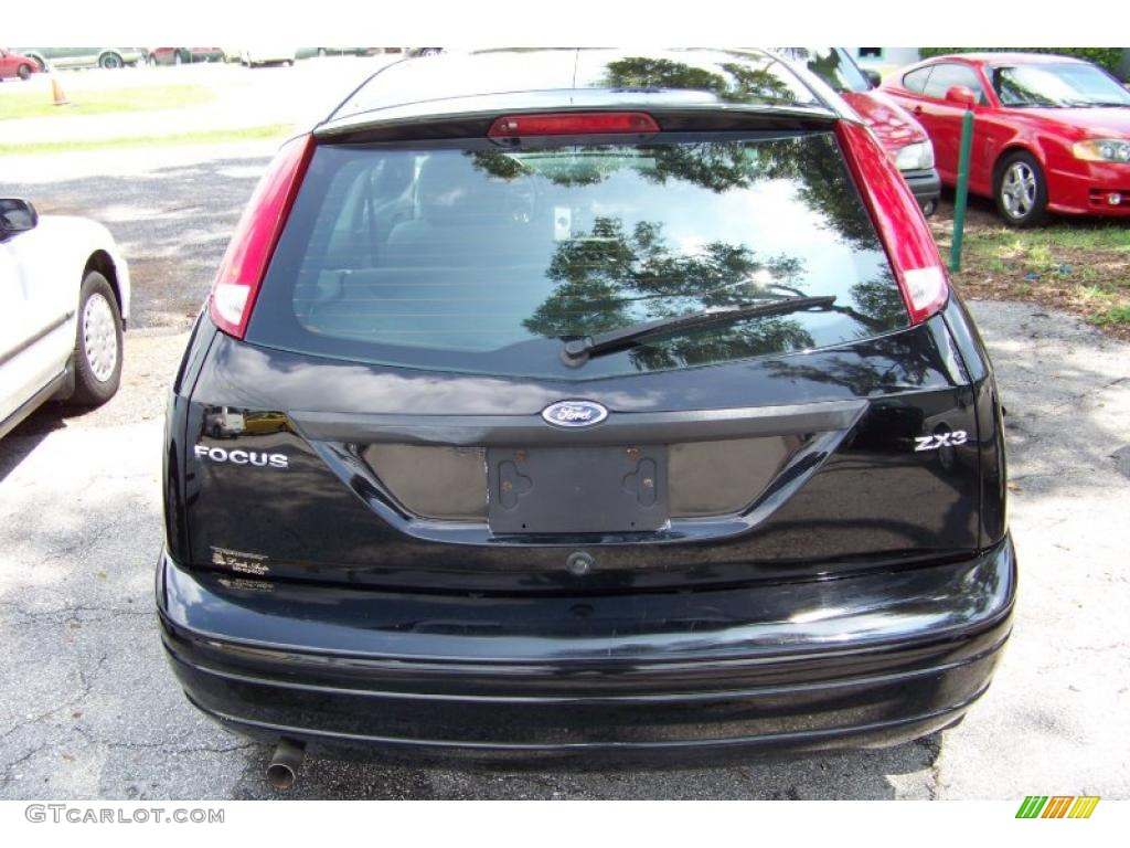 2005 Focus ZX3 S Coupe - Pitch Black / Dark Flint/Light Flint photo #6