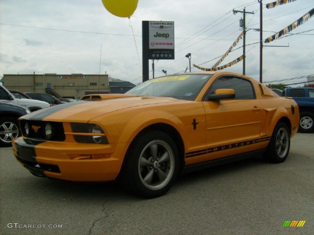 2007 Mustang V6 Deluxe Coupe - Grabber Orange / Dark Charcoal photo #1