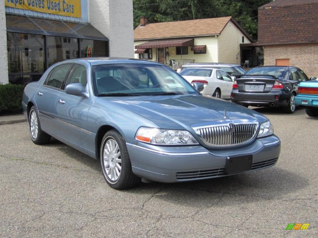 2004 medium steel blue metallic lincoln town car ultimate 35427762 photo 12. Black Bedroom Furniture Sets. Home Design Ideas