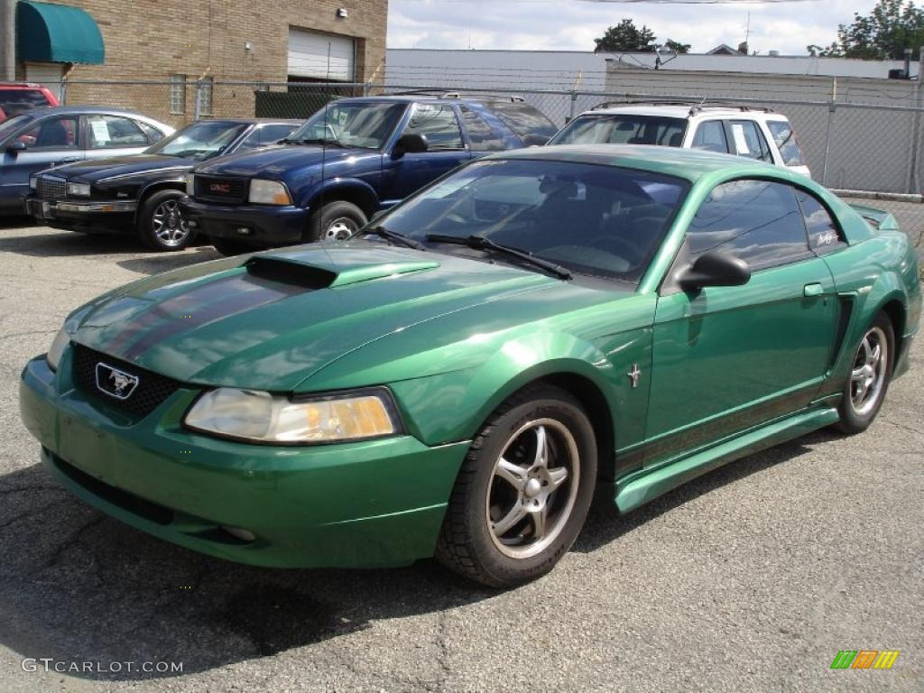 2000 Mustang V6 Coupe - Electric Green Metallic / Medium Graphite photo #1