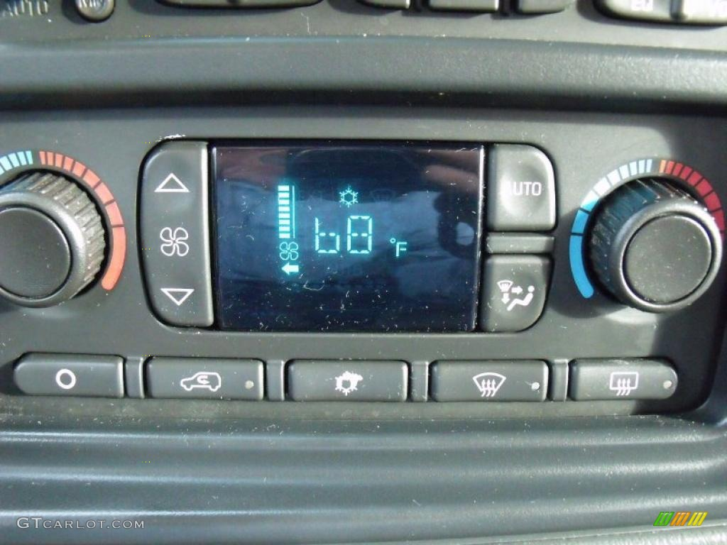 2005 Silverado 1500 LT Extended Cab - Black / Dark Charcoal photo #21