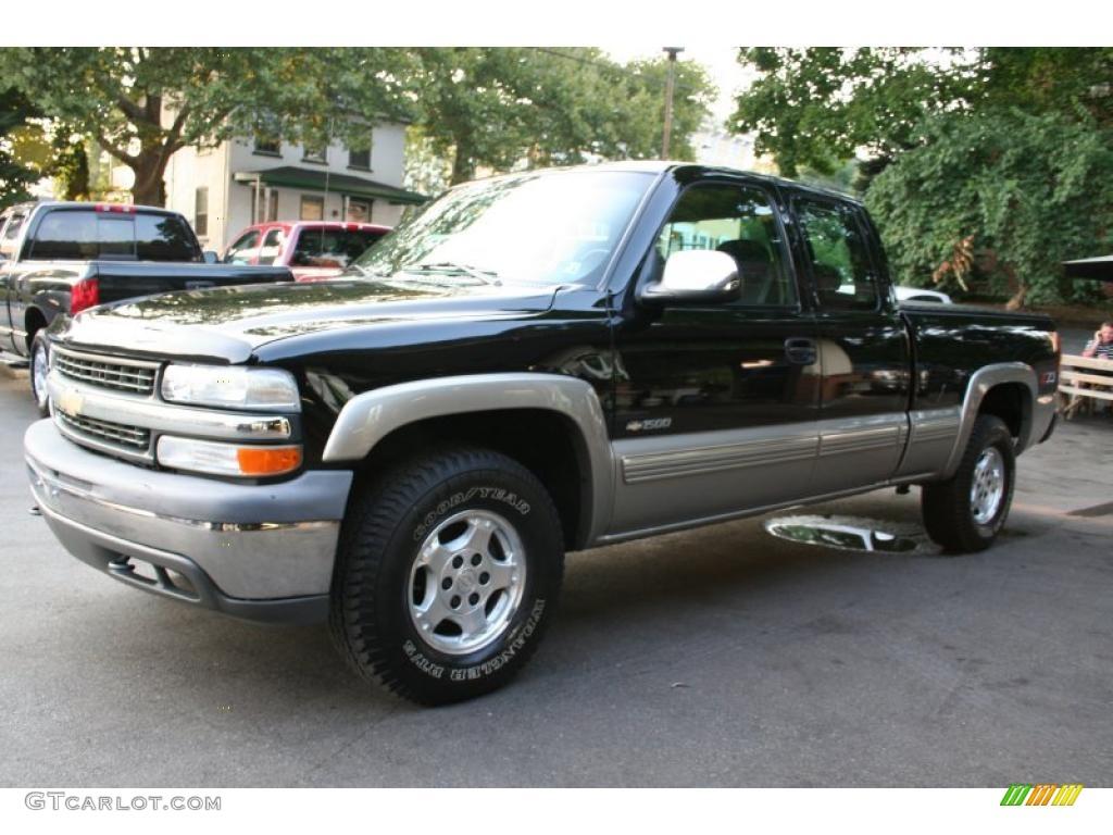 2002 Silverado 1500 LS Extended Cab 4x4 - Onyx Black / Graphite Gray photo #1