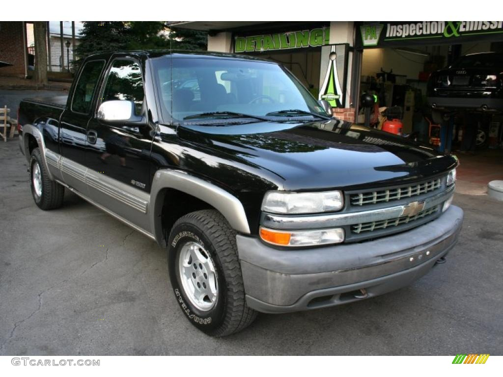 2002 Silverado 1500 LS Extended Cab 4x4 - Onyx Black / Graphite Gray photo #8