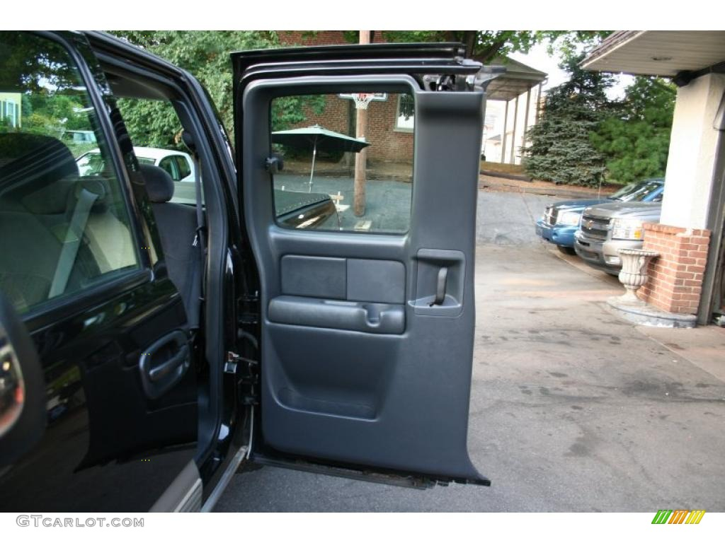 2002 Silverado 1500 LS Extended Cab 4x4 - Onyx Black / Graphite Gray photo #15