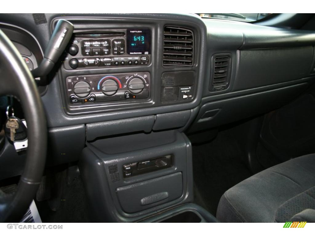 2002 Silverado 1500 LS Extended Cab 4x4 - Onyx Black / Graphite Gray photo #26