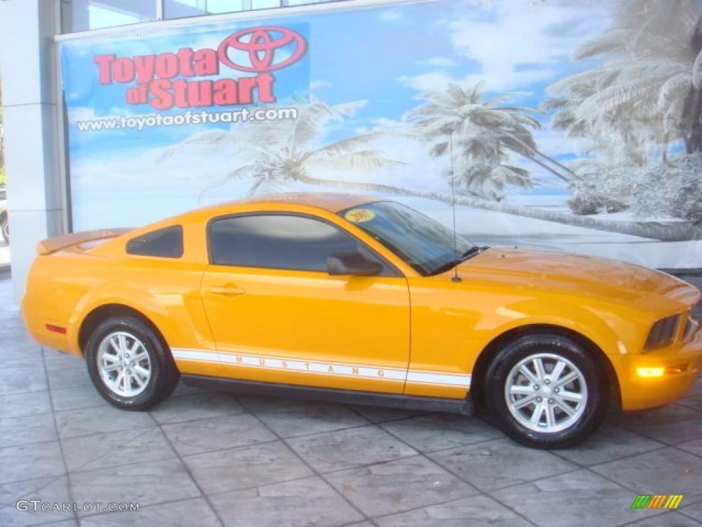 2007 Mustang V6 Deluxe Coupe - Grabber Orange / Dark Charcoal photo #1
