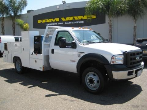 2007 Ford F550 Super Duty XL Regular Cab Utility Truck Data, Info and Specs