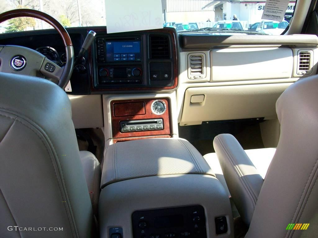 2006 white diamond cadillac escalade awd 3588438 photo 15 car color galleries for Cadillac escalade interior colors