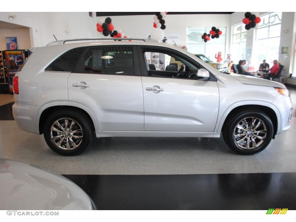 2011 Sorento SX V6 - Bright Silver / Black photo #8